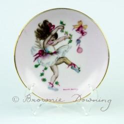 Ceramic plate with gilt edge 3 - ballet
